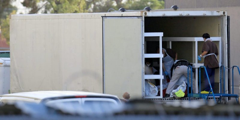 Photos: El Paso doubles mobile morgue capacity amid new COVID-19 surge - Business Insider
