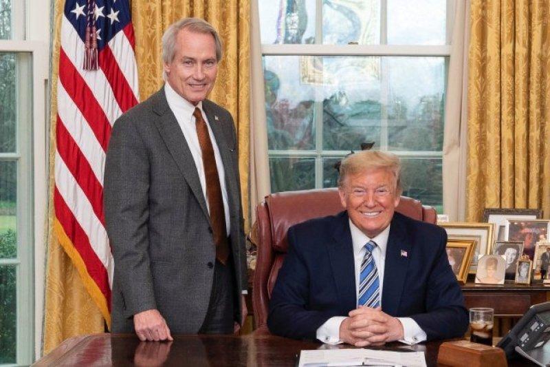 Pro-Trump Lawyer Calls for Georgia Runoffs Boycott - Hints at Arresting Republican Senate Candidates Loeffler, Perdue