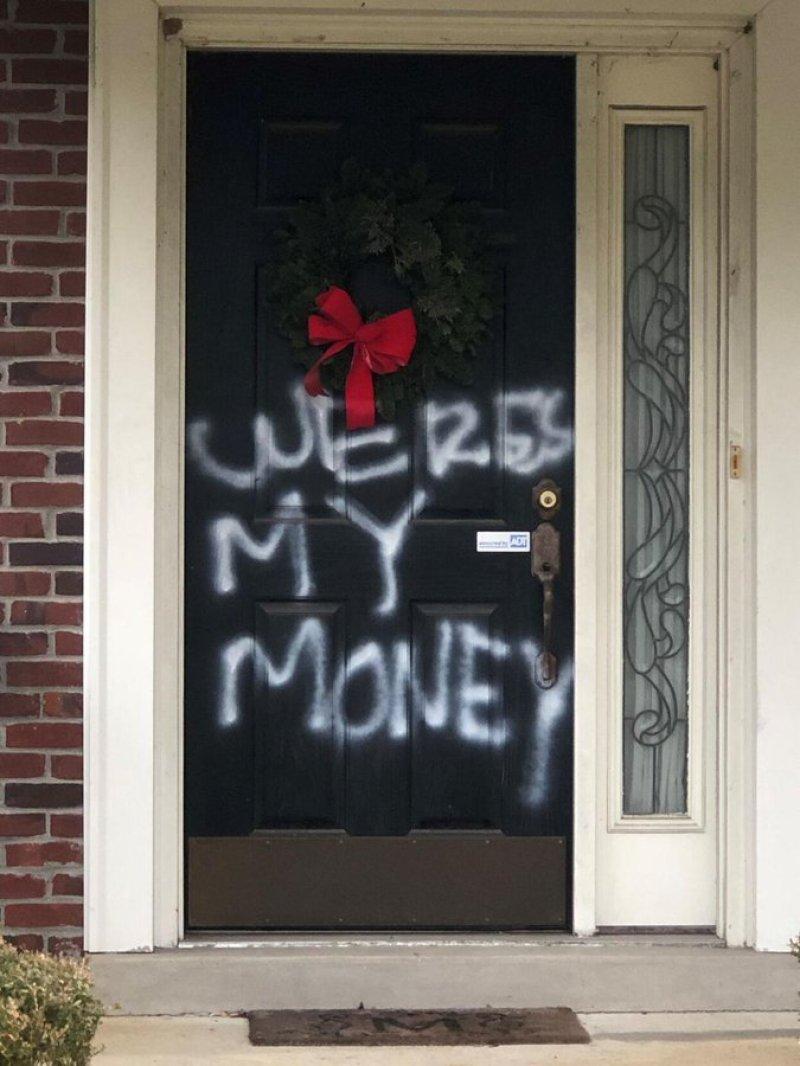 Senator Mitch McConnell's Louisville home vandalized