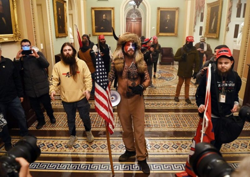 No, there is no evidence that antifa activists stormed the Capitol.