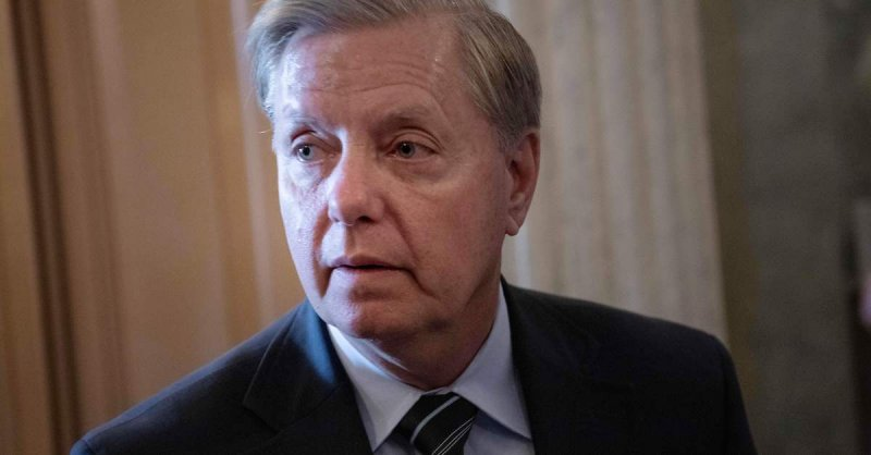 Lindsey Graham Swarmed By Trump Supporters at Airport Chanting 'TRAITOR!'