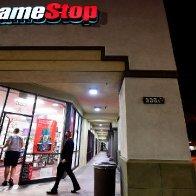Robinhood shuts down GameStop trades - CNN