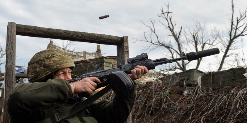Russia amasses troops near U.S. ally Ukraine. But what is Putin's goal?