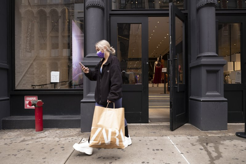 US consumer confidence hits 14-month high, house prices soar