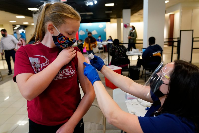 New CDC mask guidelines update where vaccinated Americans need masks