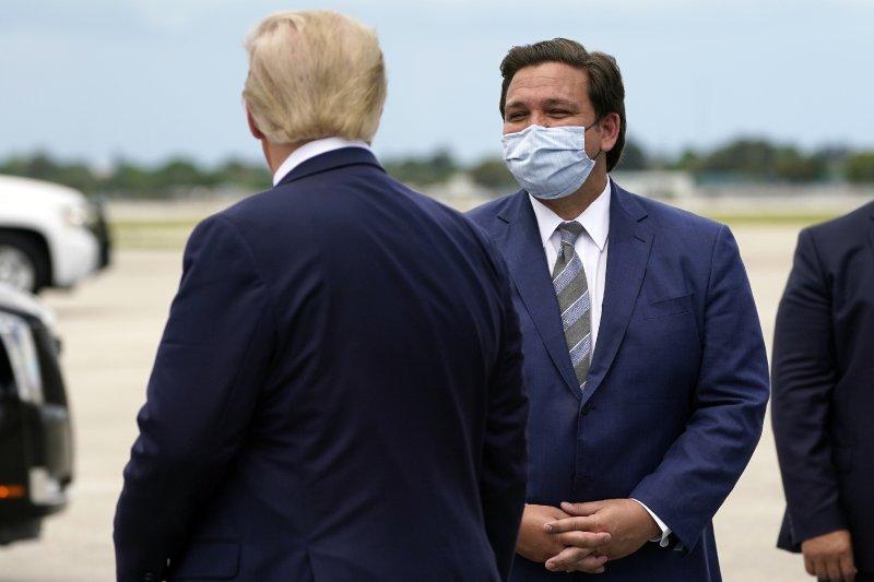 As pandemic wanes, Florida's DeSantis seizes national stage