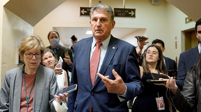 Manchin to vote against election overhaul bill