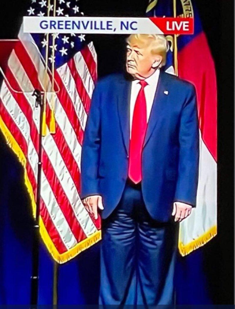 Donald Trump Didn't Put His Pants on Backward | PEOPLE.com