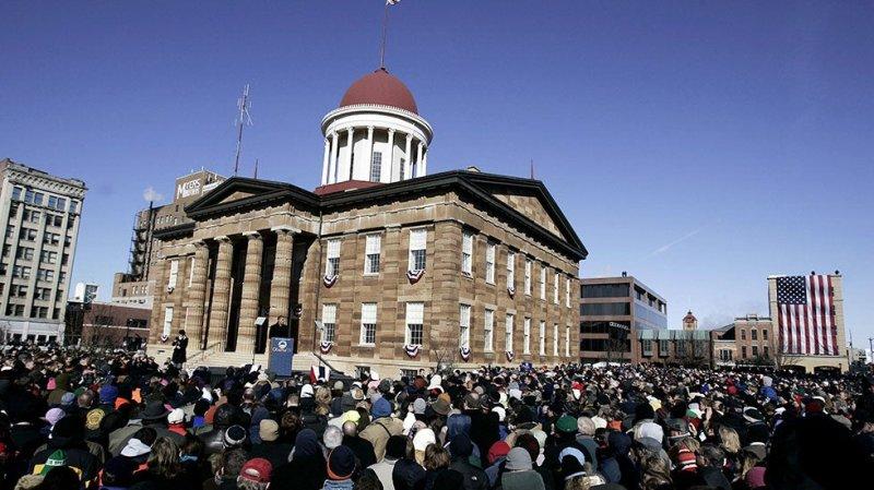 Illinois GOP lawmakers sue Democrats for using population estimates for redistricting