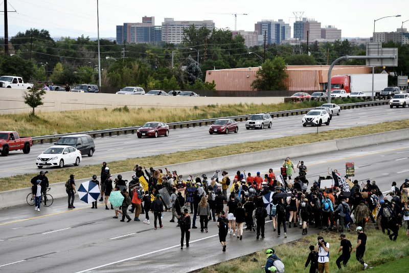 Florida allows Cuba protesters to shut down highway despite making it felony for Black Lives Matter