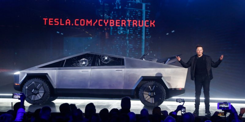 Musk waxes lyrical on Cybertruck, says it looks like it was 'made by aliens from the future'
