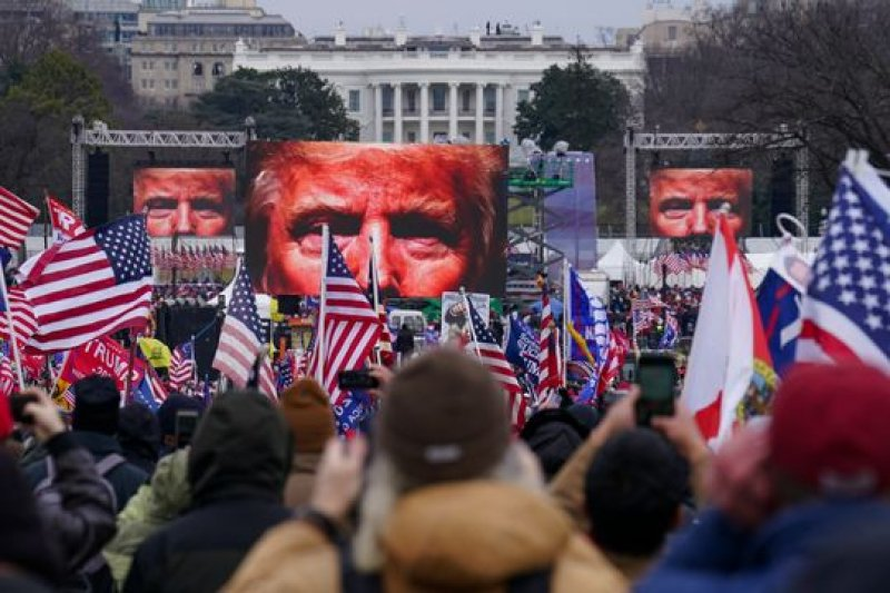 Trump and allies work to rebrand Jan. 6 rioters as patriots, heroes and martyrs
