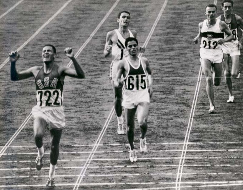 'There goes Billy Mills!' - Tokyo 1964 Olympics