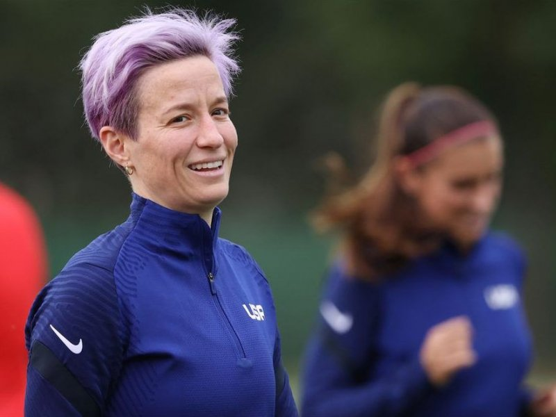 Subway franchisees want to give U.S. soccer star Rapinoe the boot