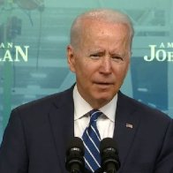 Biden's approval ratings plunge in important heartland battleground: poll | Fox News