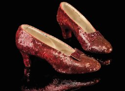 """Stolen """"Wizard of Oz"""" ruby slippers found after 13 years"""