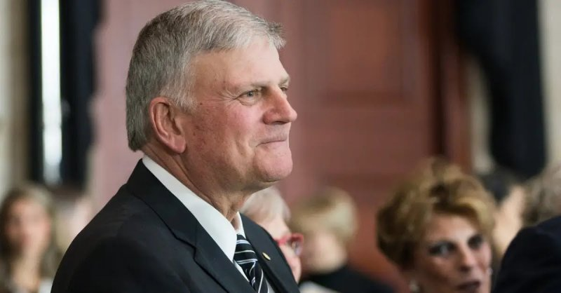 Franklin Graham Warns of 'All-Out Socialism' If Americans Don't Vote and Pray in November